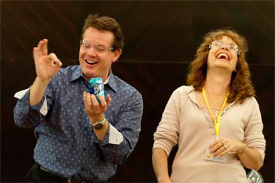 Steve Spangler doing soda can shake up with teacher
