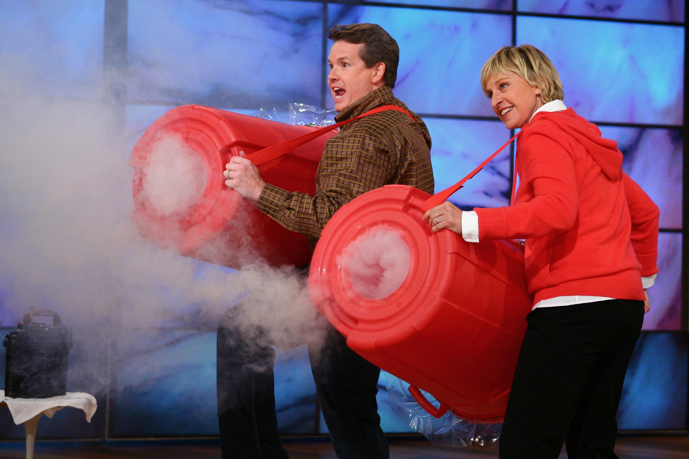 Steve Spangler Shooting Smoke Rings on The Ellen DeGeneres Show