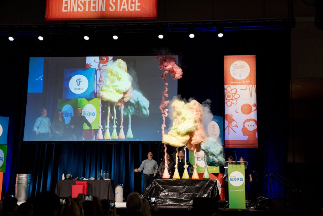 Usa science and engineering festival 2018 steve spangler the best part of the event for me is getting to meet so many people who are in love with science said spangler host of his own do it yourself science solutioingenieria Image collections