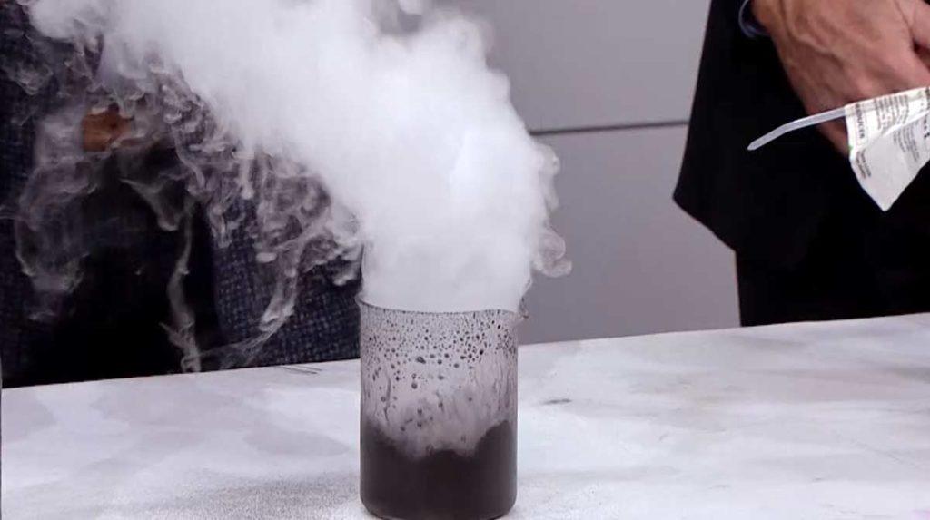 Rocket Fuel Science of Hydrogen Peroxide Steve Spangler