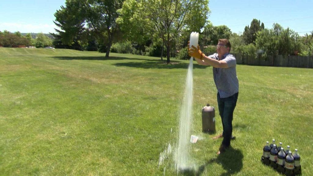 Liquid Nitrogen Rocket with Steve Spangler on DIY Sci
