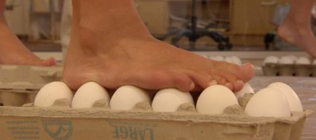 Walking on Eggs with Steve Spangler on DIY Sci